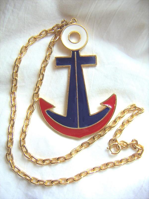 Patriotic 1970's necklace