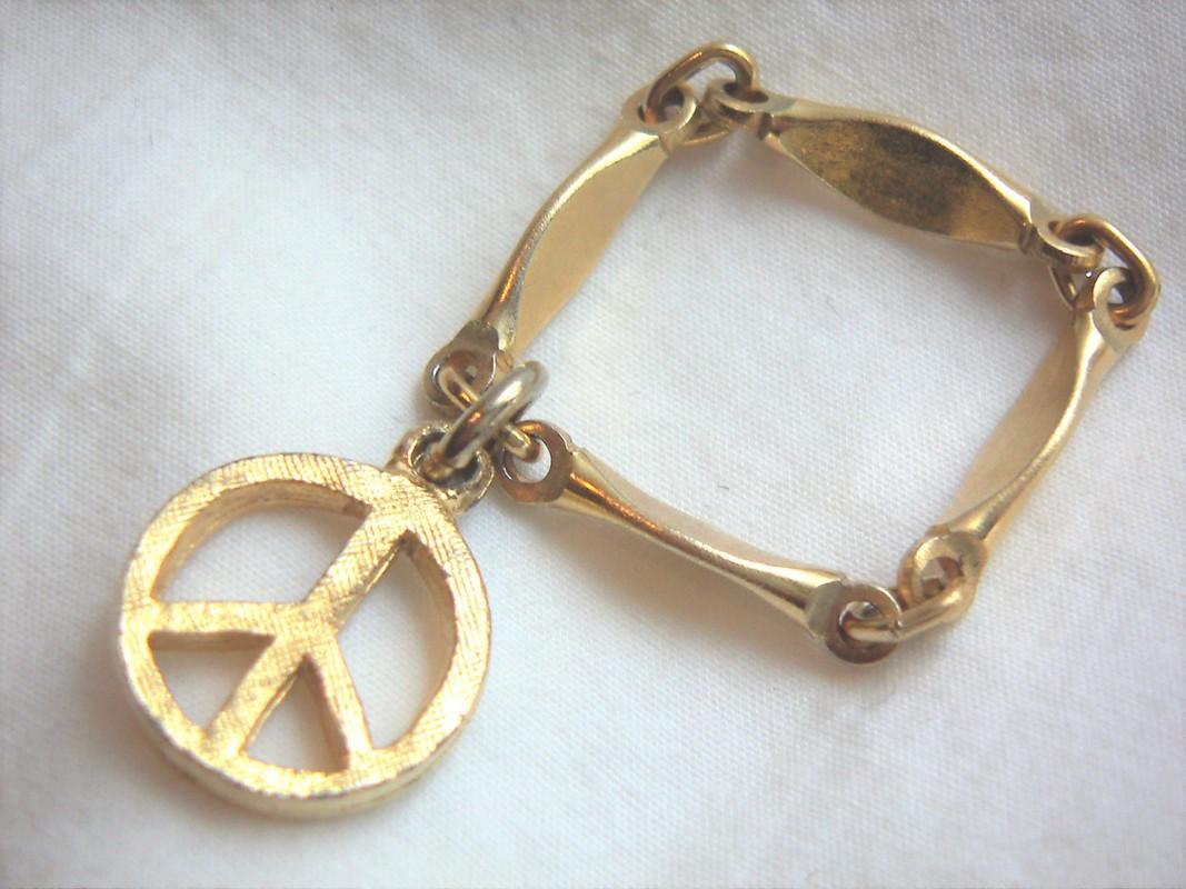 Peace ring Treasure Box Antiques