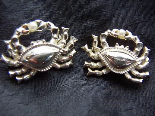 crab scatter pins