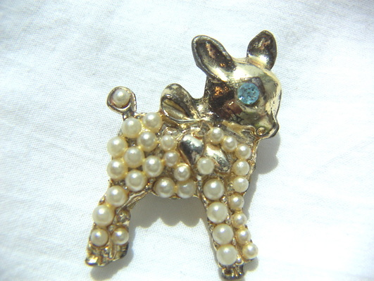 little lamb figural brooch
