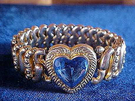 Vintage American Queen expandable sweetheart bracelet