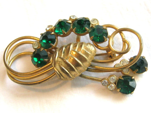 1940s pine cone brooch