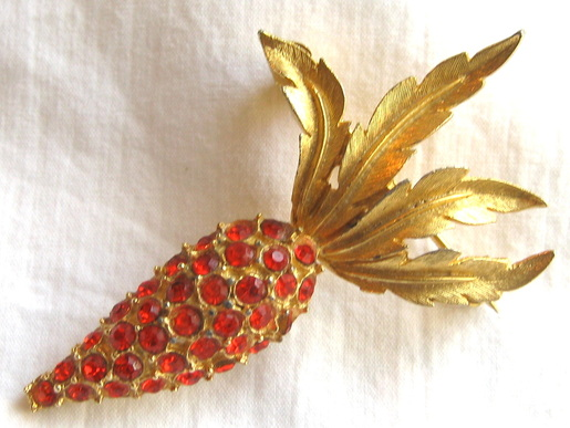 vintage carrot brooch