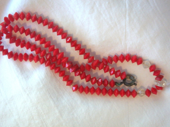 Czech lipstick red beads
