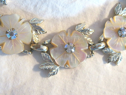Vintage mother of pearl flower bracelet
