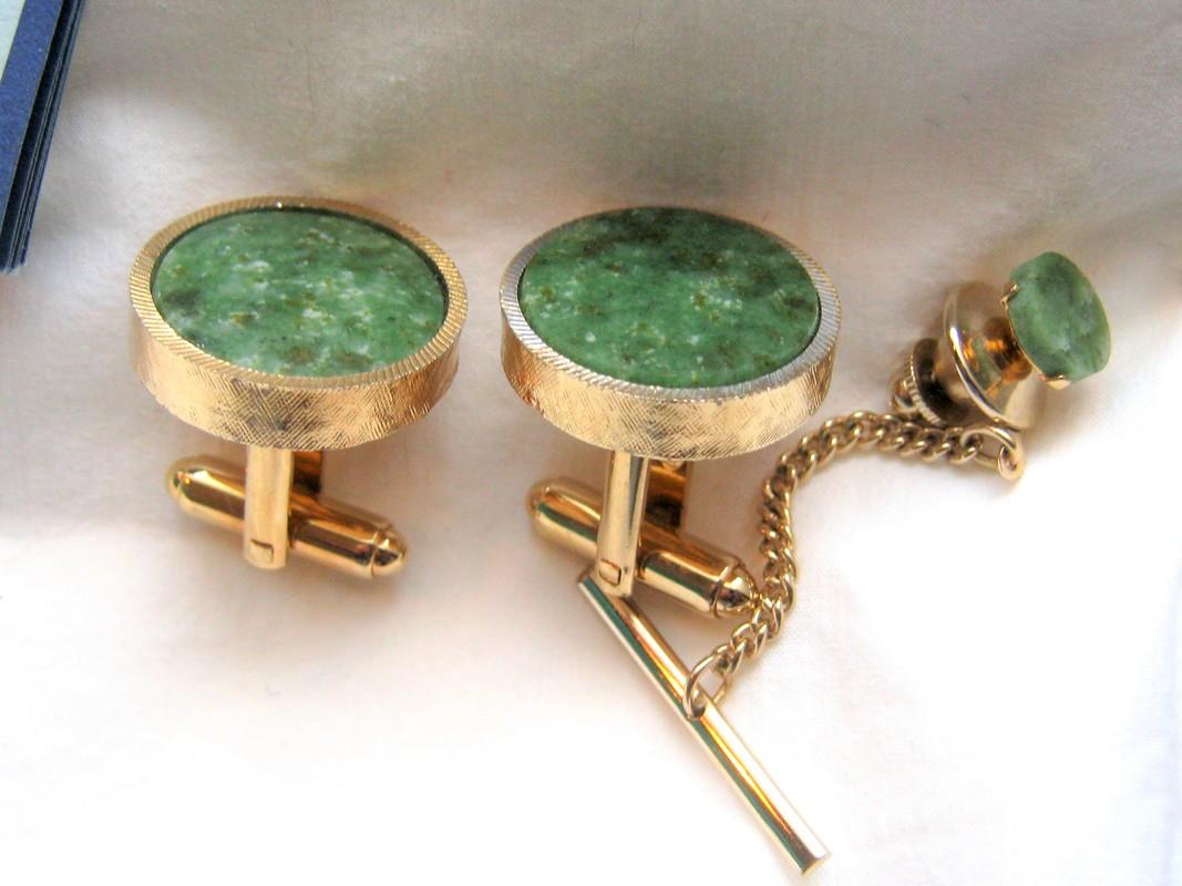 Jade cuff link tie tac set