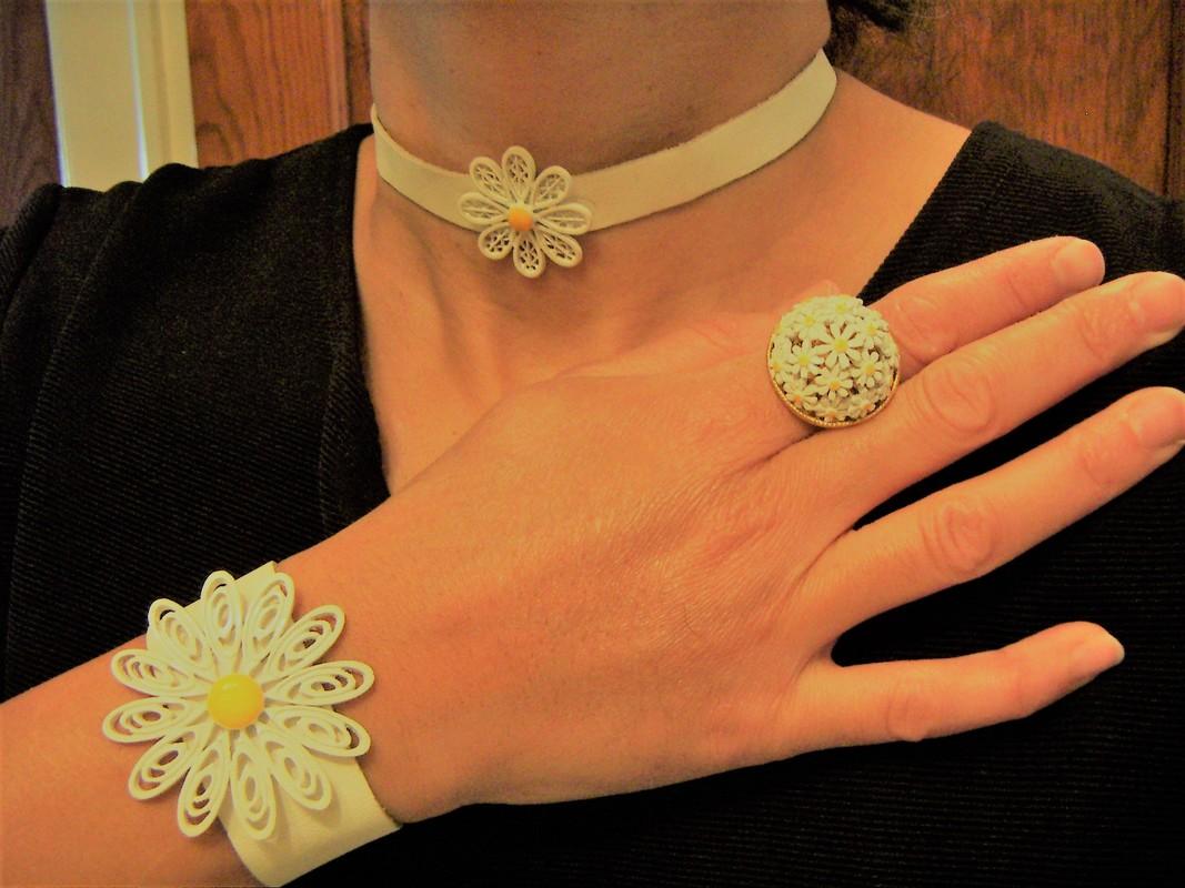Daisy jewelry Treasure Box Antiques